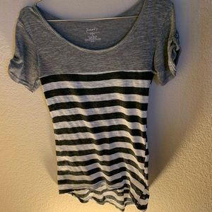 Poof Women's Medium Tee grey stripe